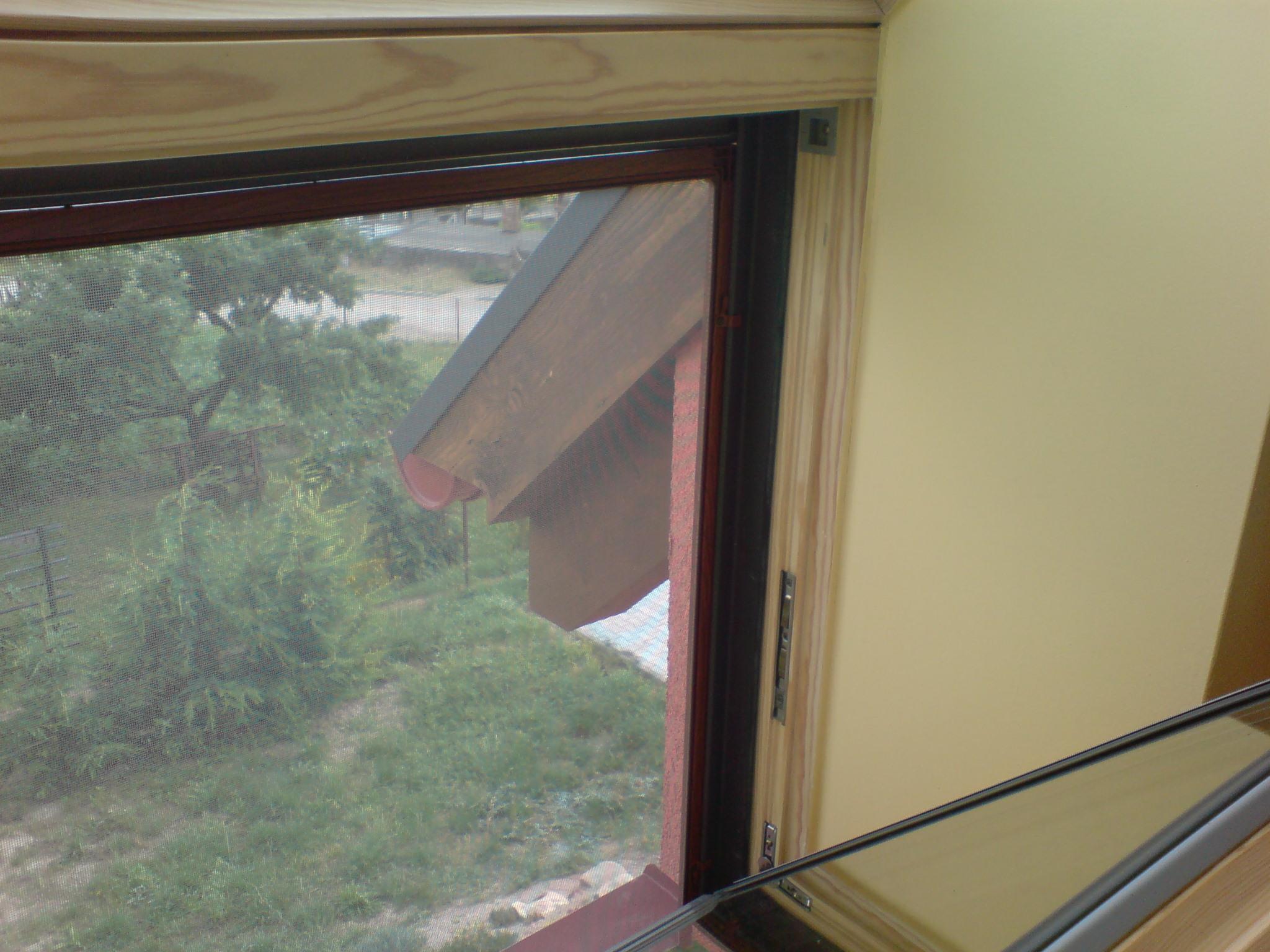 HD pevná síť do okna