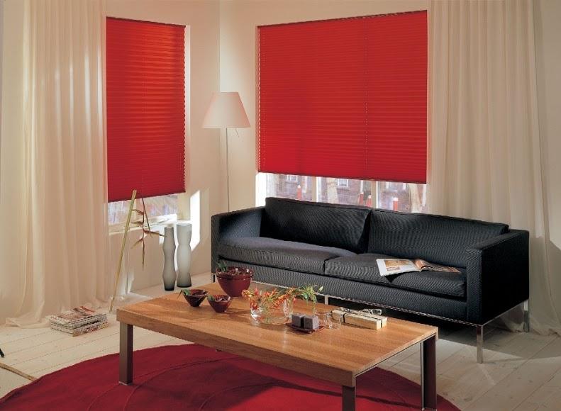 Výrazná barva plisé rolet vytvoří originální dojem interiéru