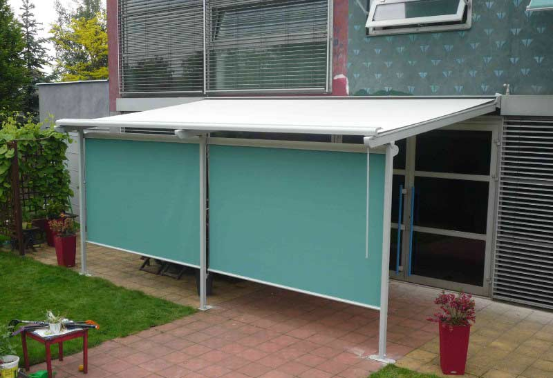 Vertikální zastínění terasy funguje velice dobře proti bočnímu svitu.