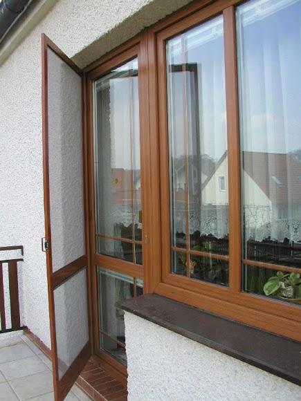 Magnetická síť proti hmyzu na balkonové dveře