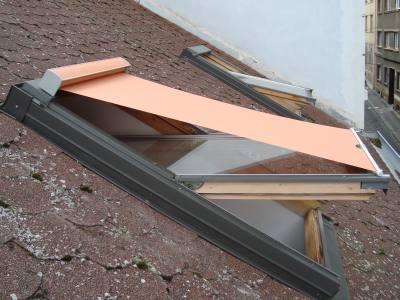 Roleta sunstop na střešní okno