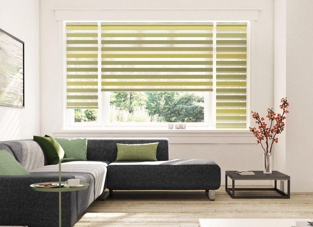 Přírodní barvy příjemně osvěží i minimalisticky zařízený obývací pokoj