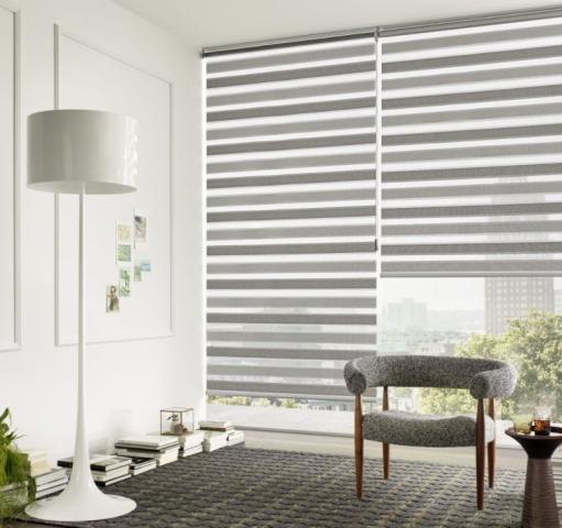 Dvoubarevné zebra žaluzie jednoduše sladíte s interiérem