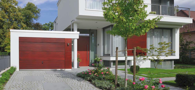 Garážová vrata sladěná s barvou obložení a dveří