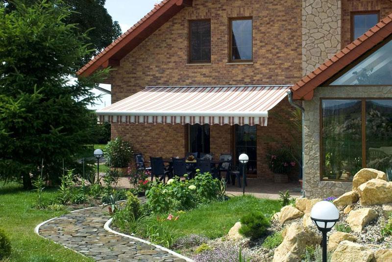 Kazetová markýzy Isabela - terasa rodinného domku