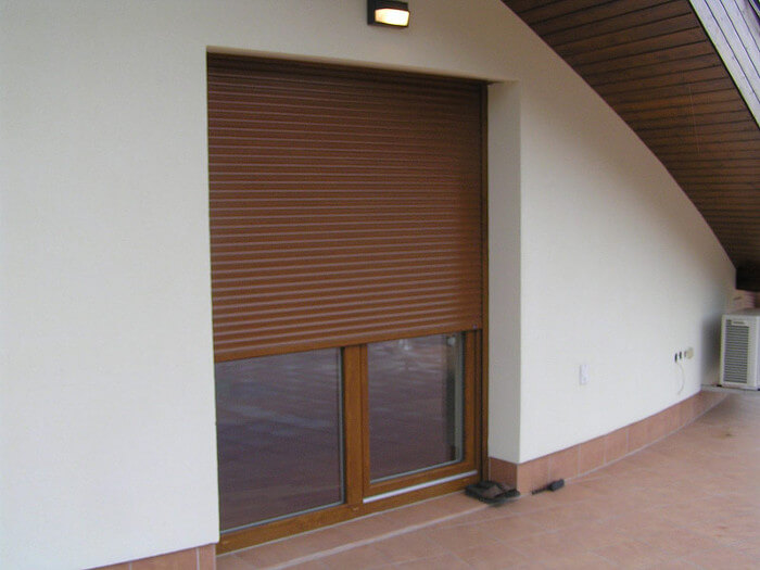 Rolety na balkonovém okně a dveřích