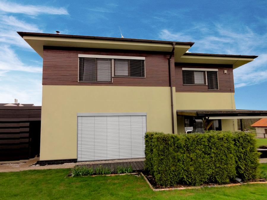 Kompletní zastínění rodinného domku - elektrické venkovní žaluzie i markýzy na terase