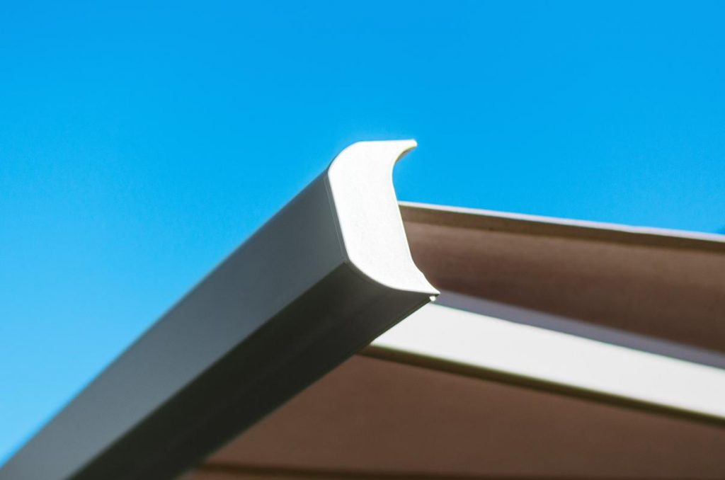 Detail krycí lišty