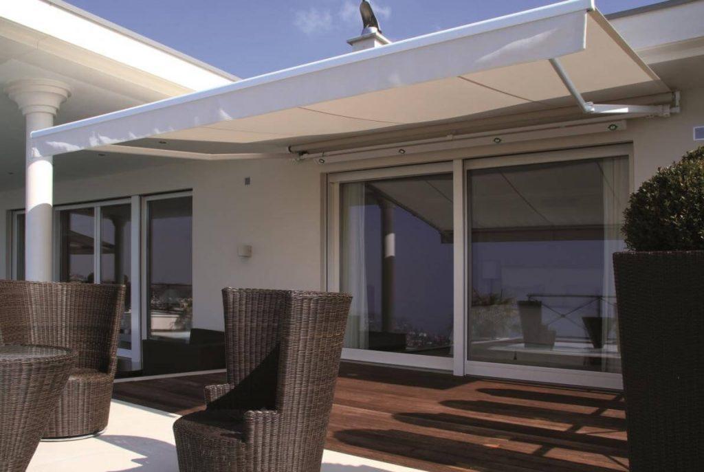 Krémová markýza Prima T na balkon